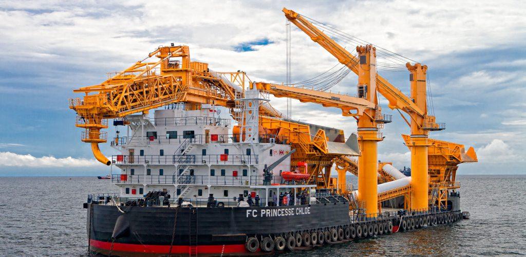 Design of newbuilding Transhipper